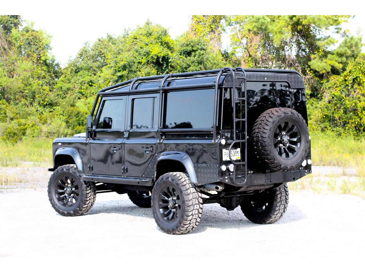 Large Picture of '90 Land Rover Defender located in Mount Pleasant South Carolina - $59,000.00 Offered by a Private Seller - LR1M