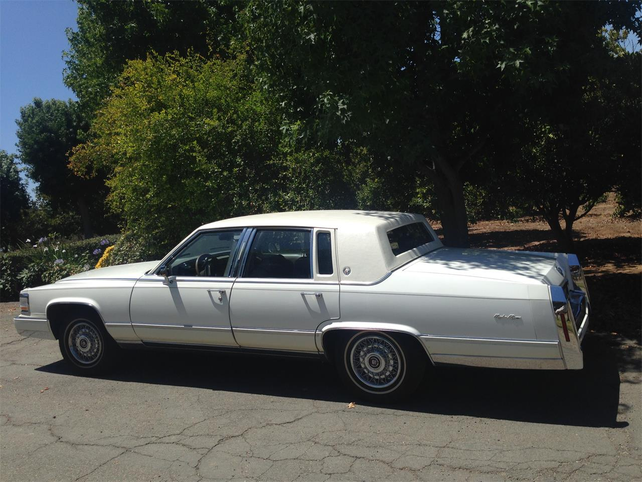 Large Picture of 1990 Cadillac Brougham d'Elegance - $17,900.00 Offered by a Private Seller - LR7K