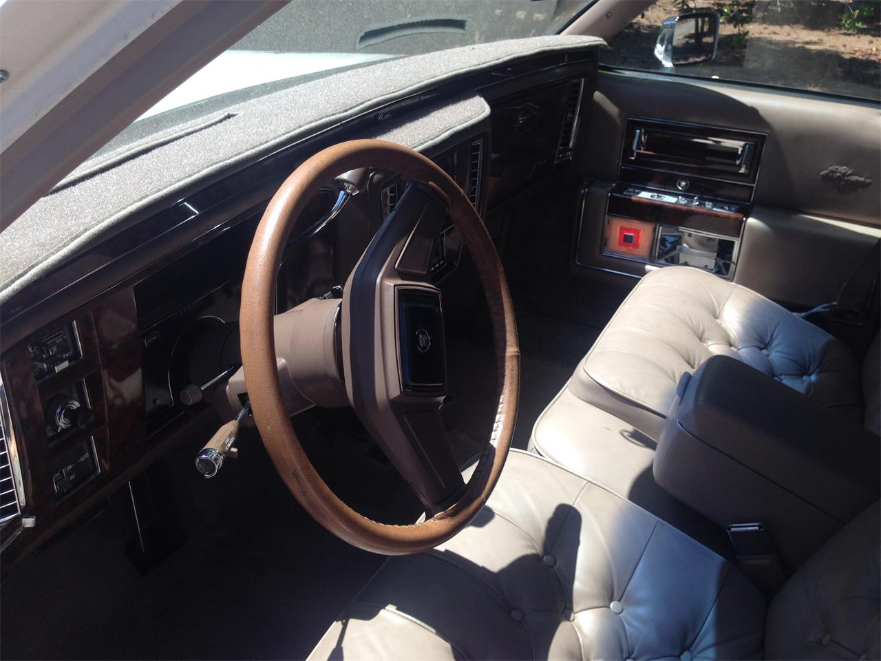Large Picture of 1990 Cadillac Brougham d'Elegance located in California Offered by a Private Seller - LR7K