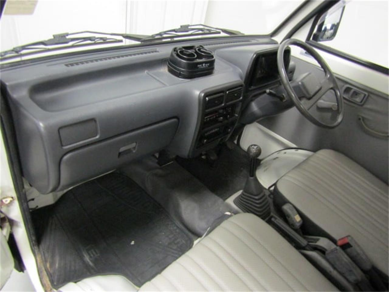 Large Picture of '92 Daihatsu HiJet located in Christiansburg Virginia Offered by Duncan Imports & Classic Cars - LR8J