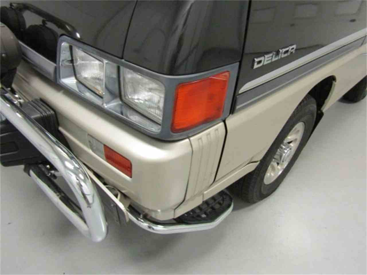 Large Picture of '89 Mitsubishi Delica Offered by Duncan Imports & Classic Cars - LRIN
