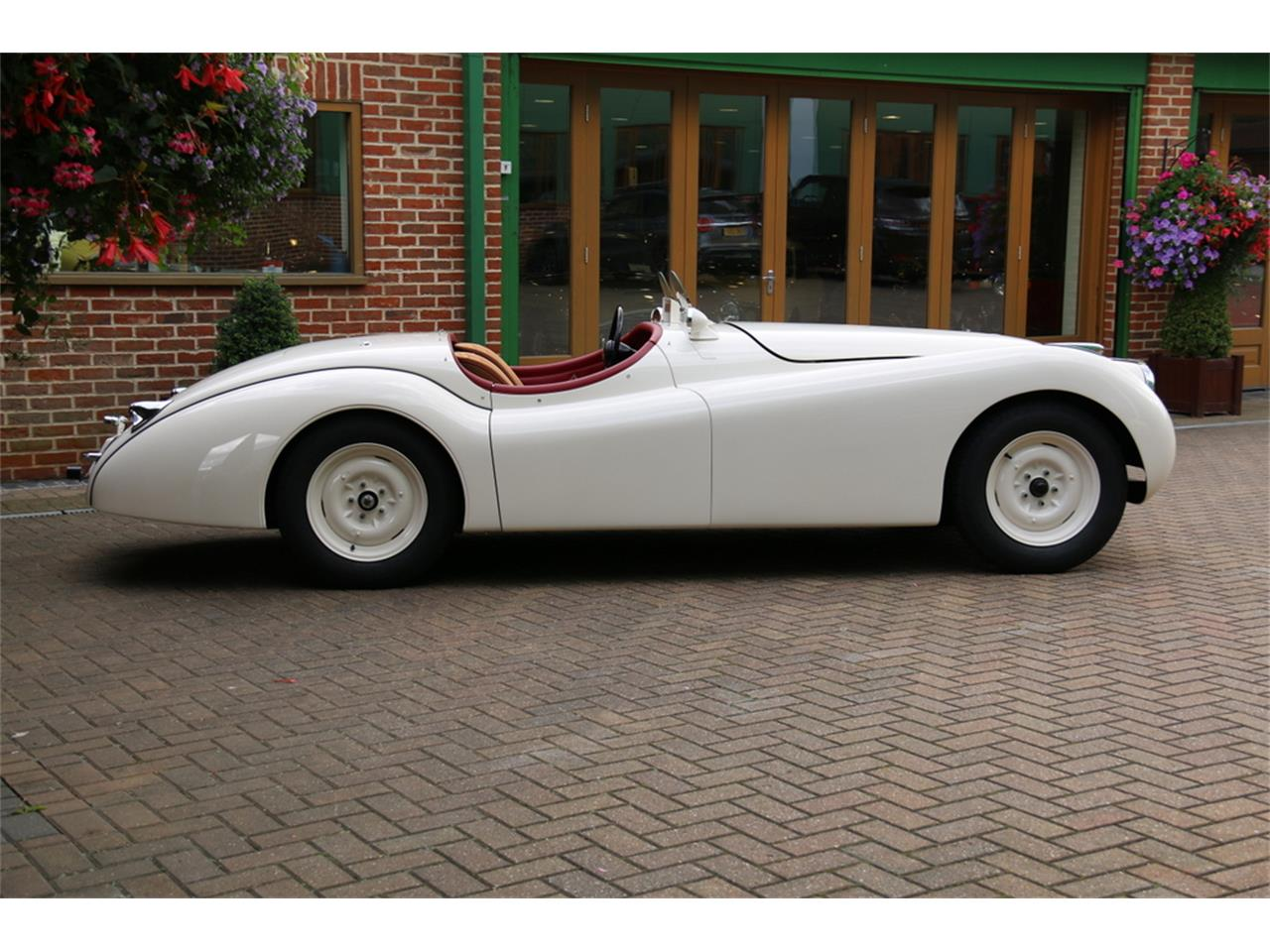 Large Picture of Classic 1952 XK120 Auction Vehicle - LRLH