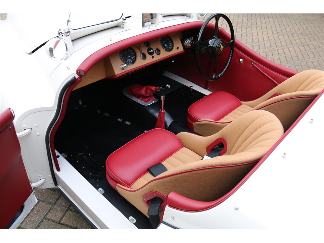 Large Picture of 1952 Jaguar XK120 located in  Auction Vehicle - LRLH