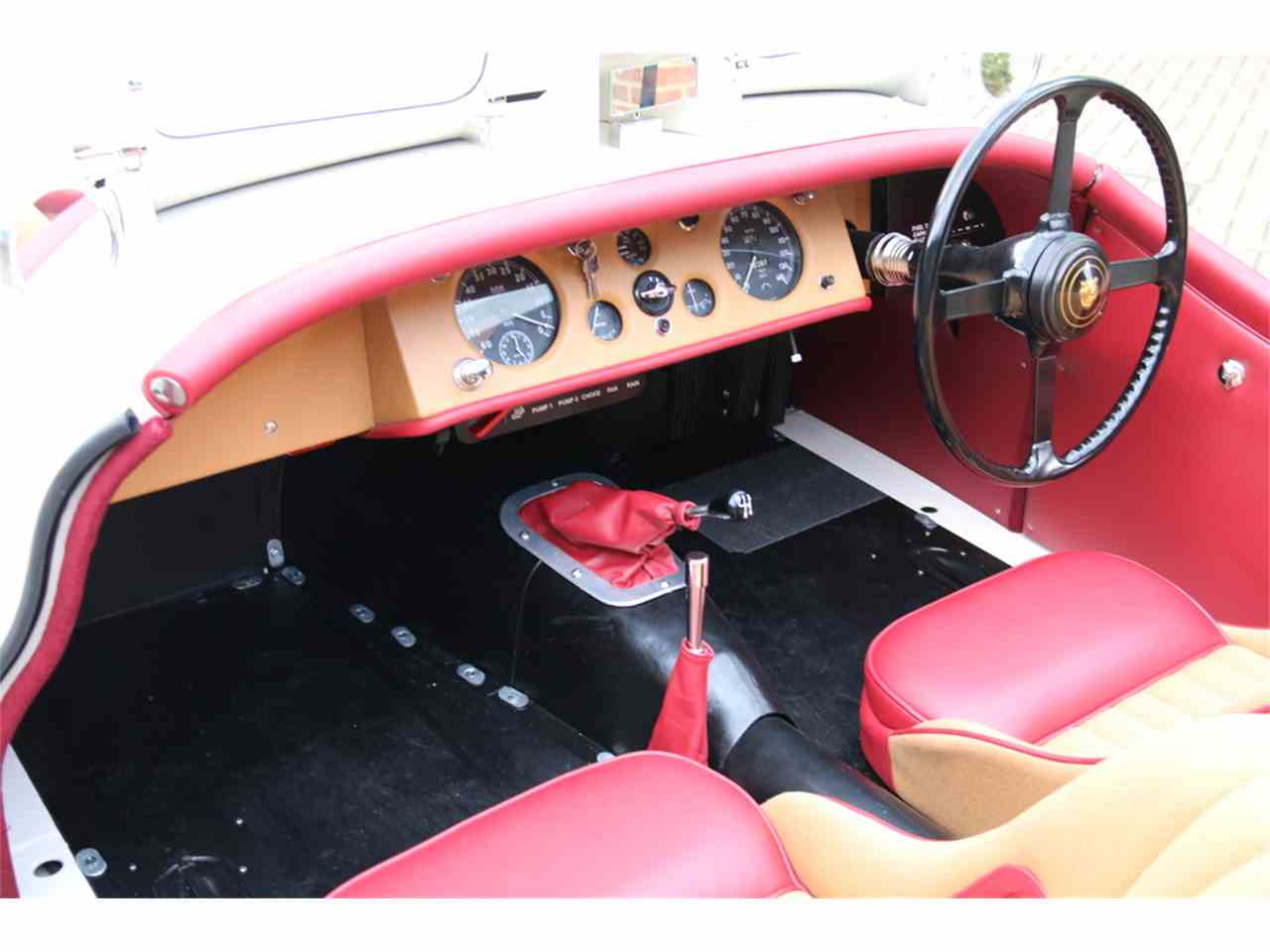 Large Picture of 1952 XK120 located in Maldon, Essex  - LRLH