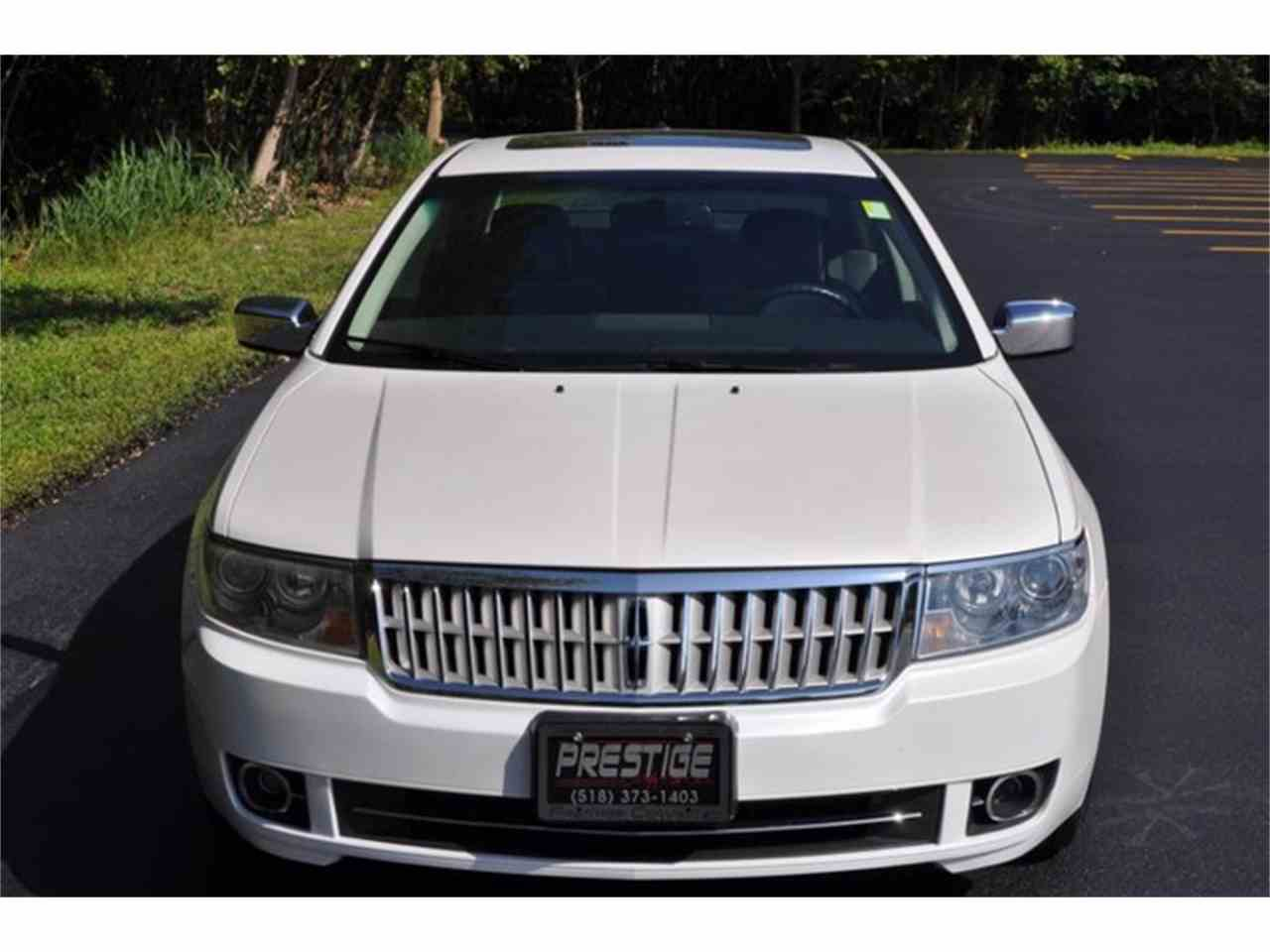 Large Picture of '09 MKZ located in Clifton Park New York Offered by Prestige Motor Car Co. - LRLK