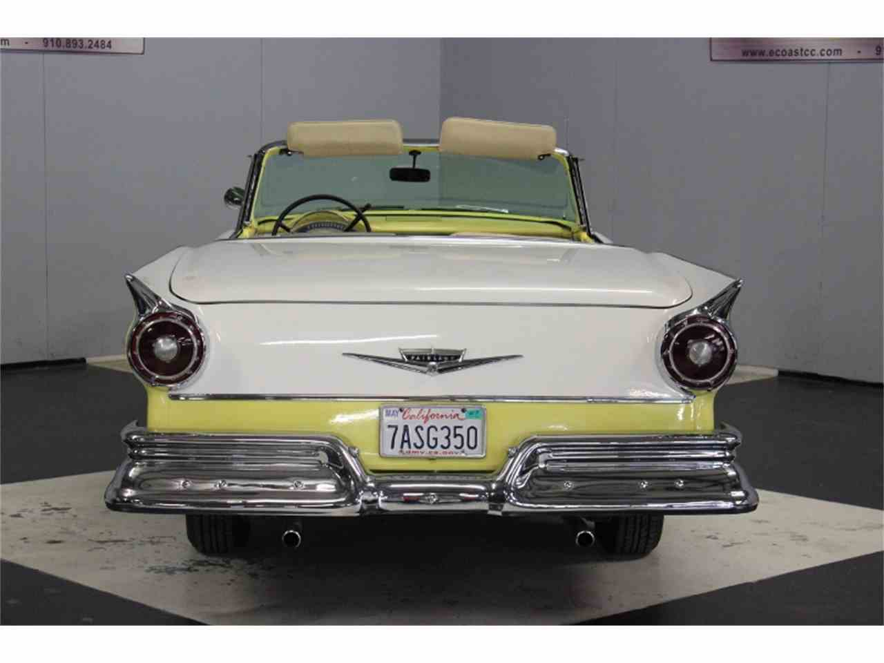 Large Picture of Classic 1957 Ford Fairlane 500 - LRPU