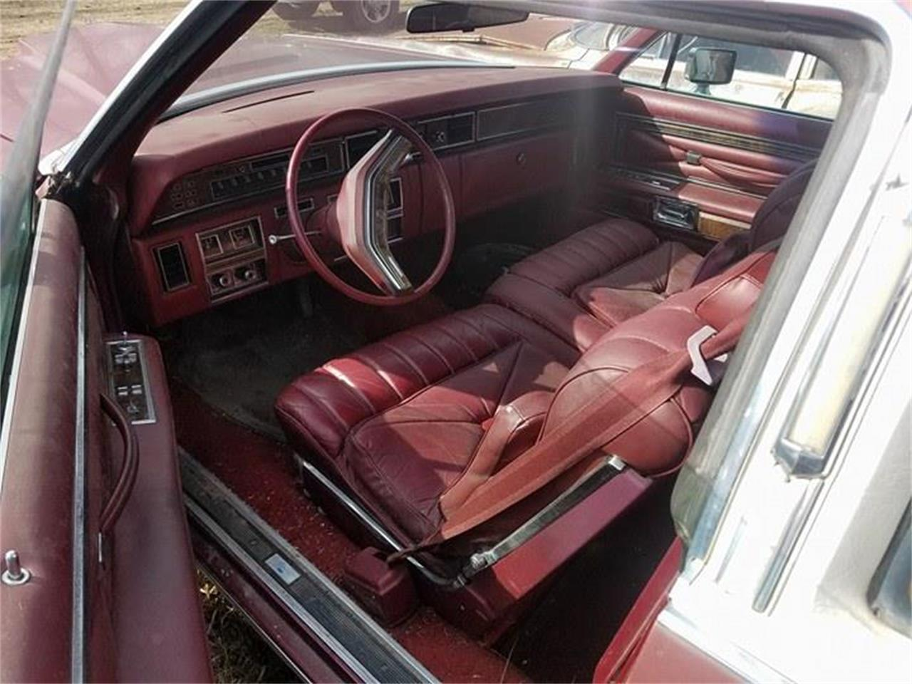Large Picture of '77 Continental - LRQ9