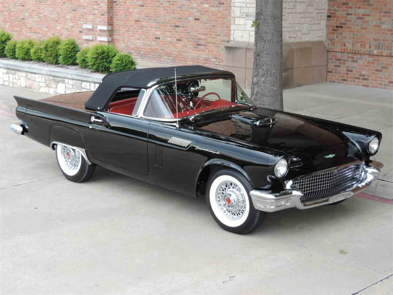 Large Picture of '57 Ford Thunderbird located in Texas Auction Vehicle - LRR3