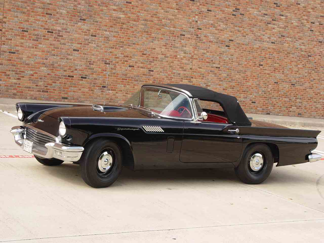 Large Picture of Classic '57 Ford Thunderbird Auction Vehicle - LRR3