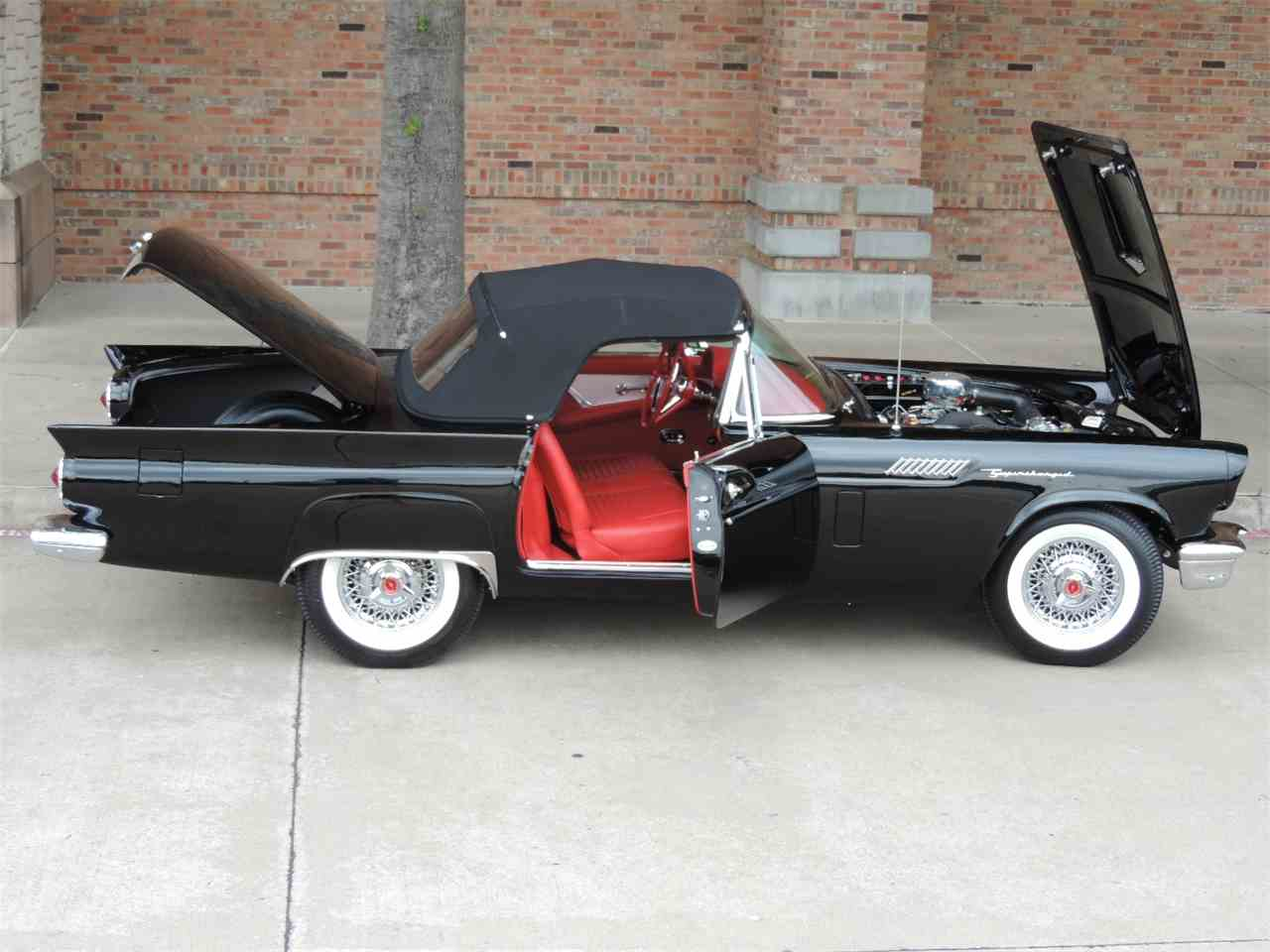 Large Picture of Classic '57 Ford Thunderbird located in Texas Auction Vehicle - LRR3