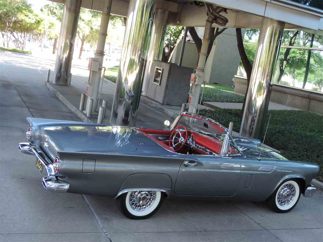 Large Picture of '57 Thunderbird - LRR5