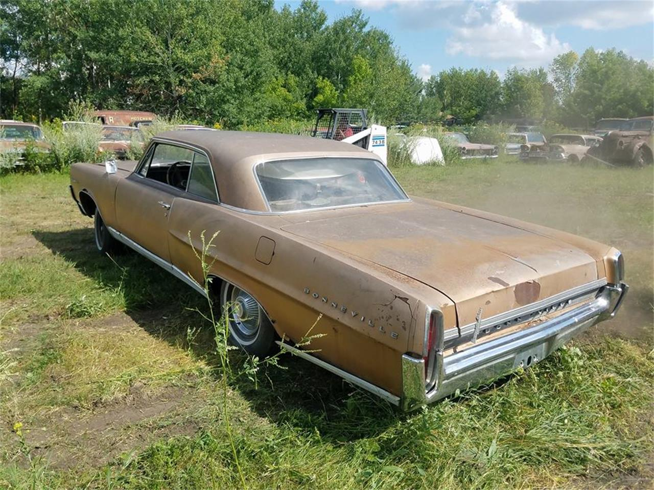 Large Picture of '64 Bonneville located in Minnesota Offered by Backyard Classics - LRRT