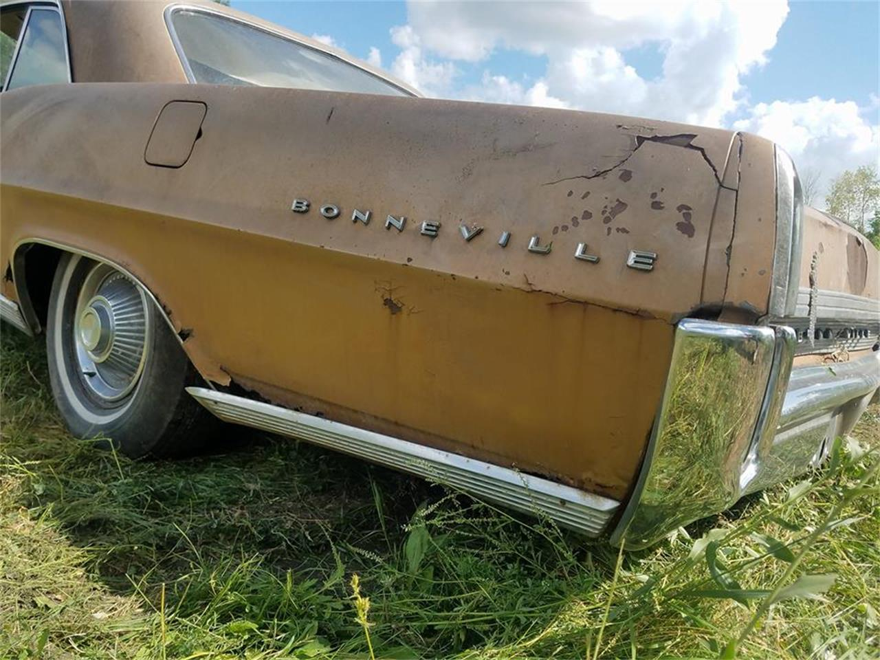Large Picture of '64 Pontiac Bonneville - $2,000.00 Offered by Backyard Classics - LRRT