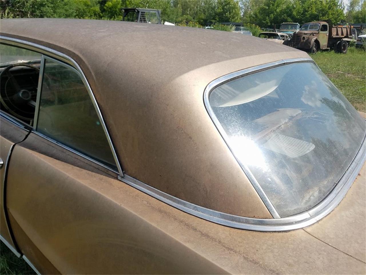 Large Picture of '64 Pontiac Bonneville - LRRT