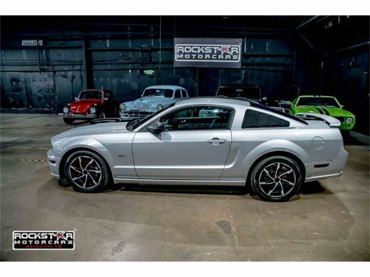 Large Picture of '05 Mustang - LRWP