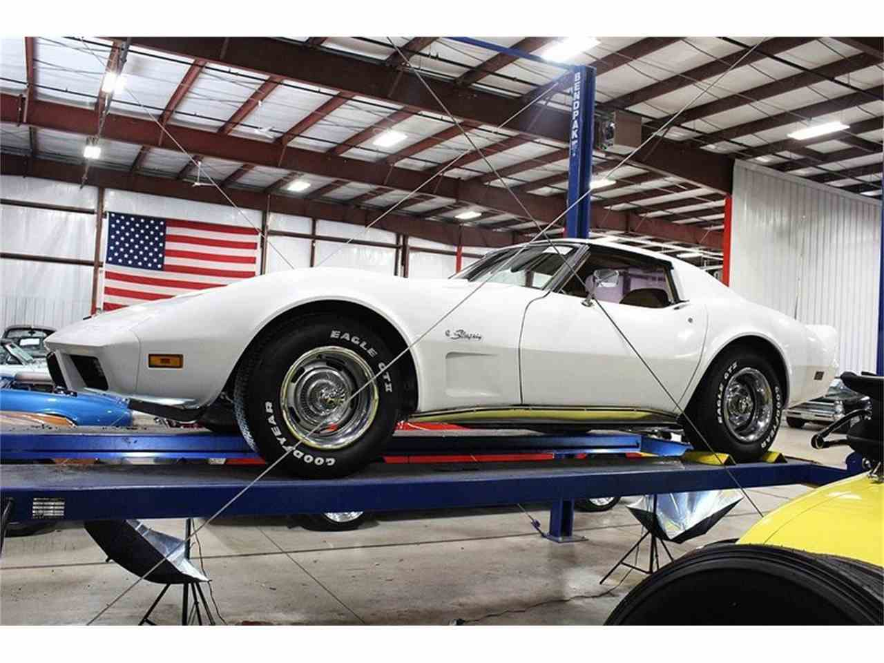 Large Picture of 1976 Chevrolet Corvette located in Kentwood Michigan Offered by GR Auto Gallery - LRX2