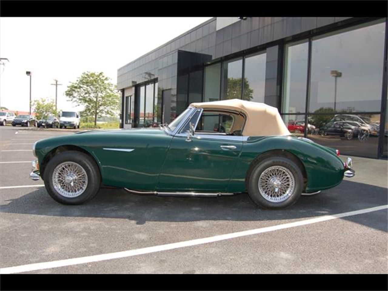 Large Picture of Classic '67 Austin-Healey 3000 Mark III located in Marysville Ohio - LRXT
