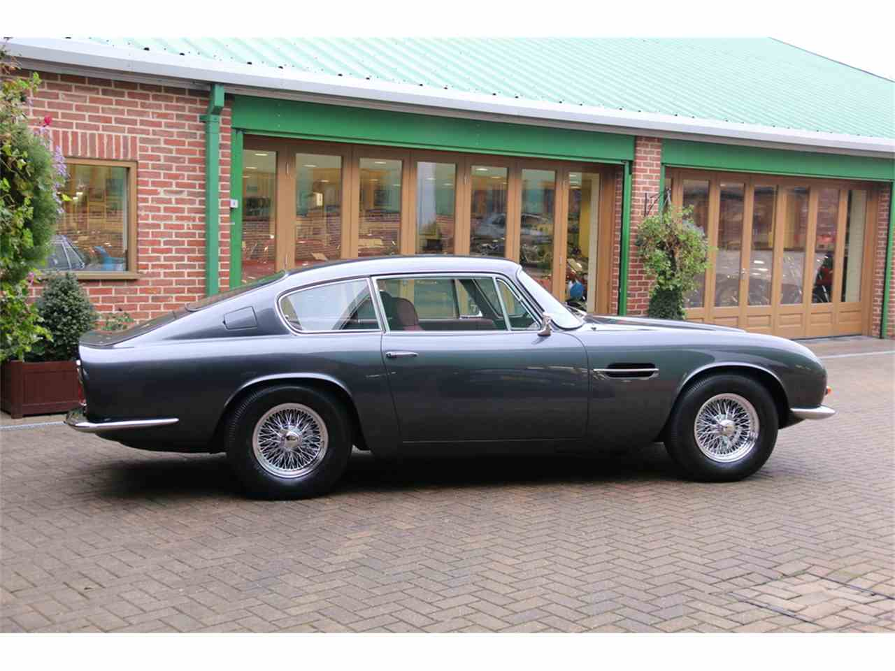 Large Picture of Classic '70 DB6 Mark II Auction Vehicle - LRY5