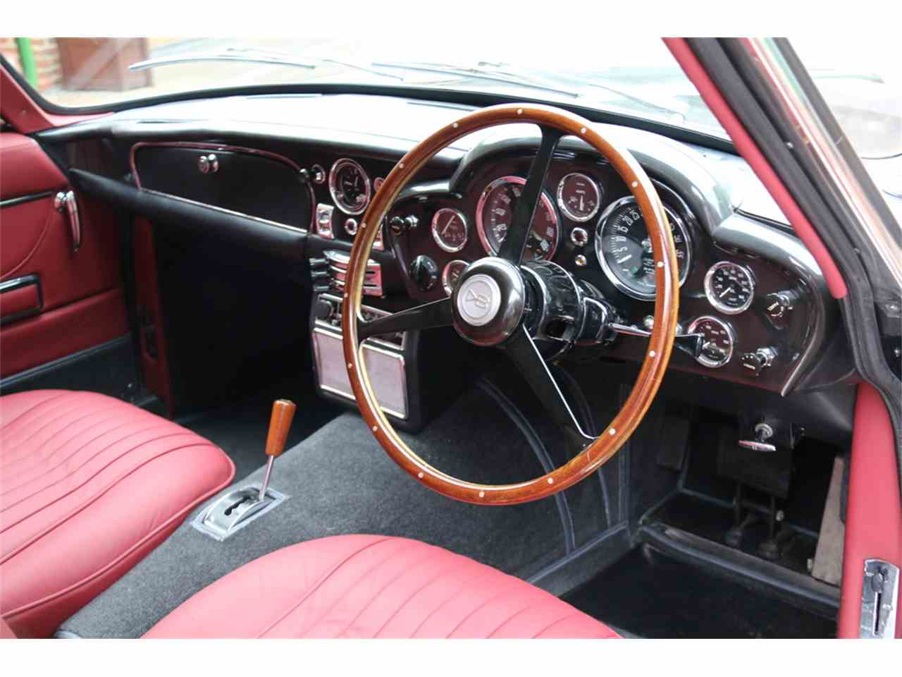 Large Picture of Classic 1970 DB6 Mark II located in  Auction Vehicle - LRY5