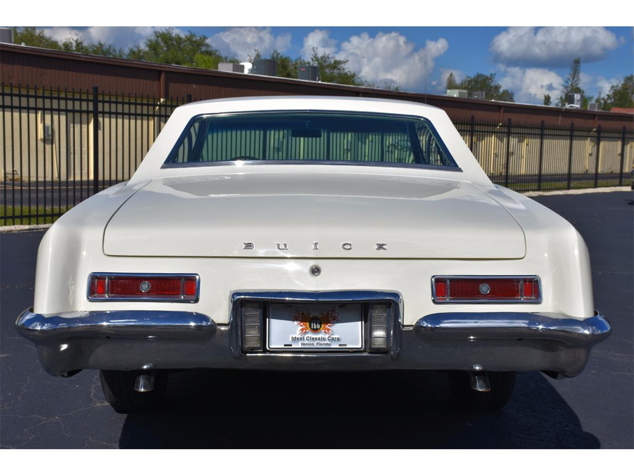 Large Picture of '63 Riviera - LRYV