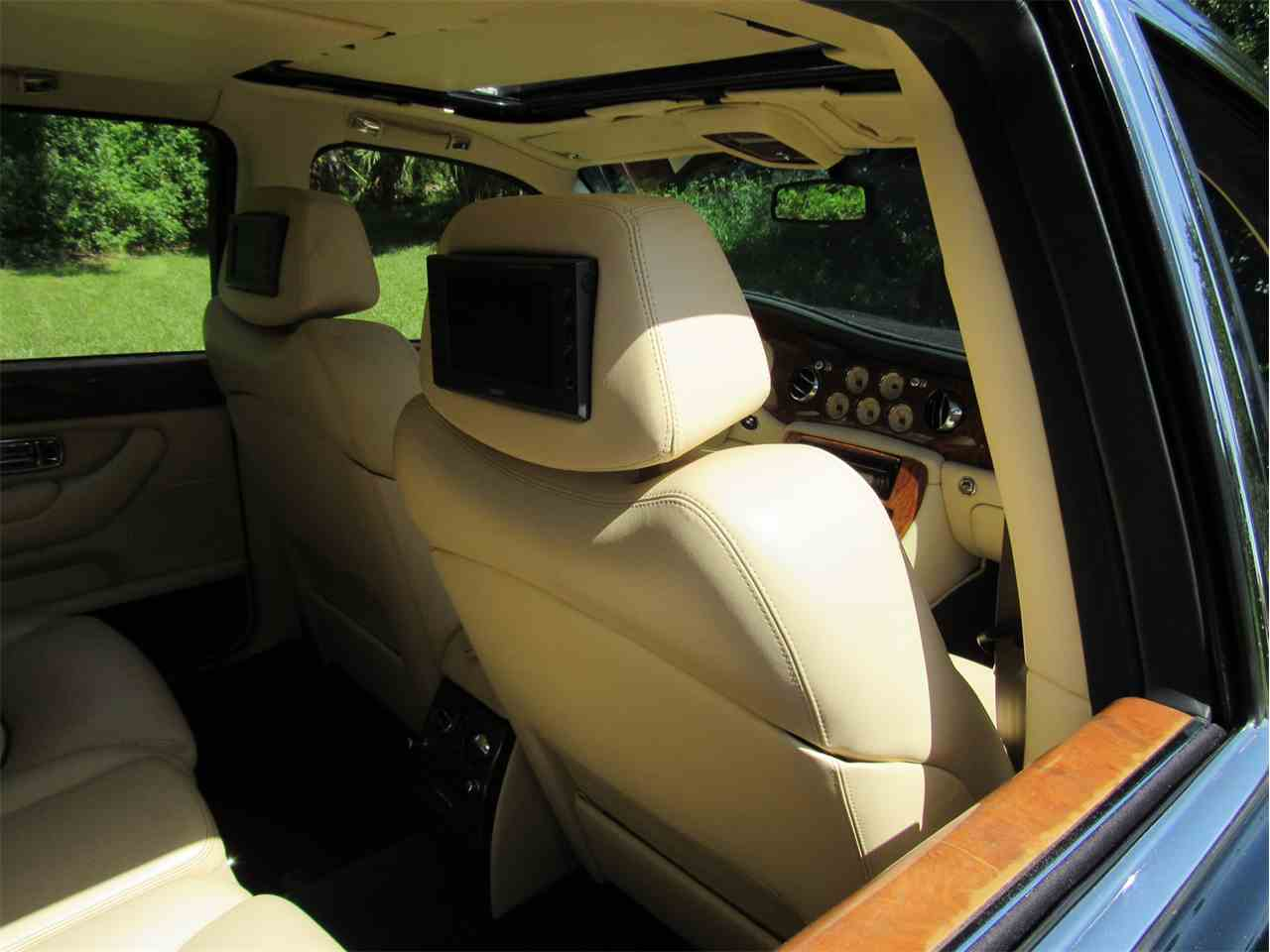 Large Picture of 1999 Bentley Arnage located in Sarasta Florida - $33,900.00 Offered by Vintage Motors Sarasota - LS29