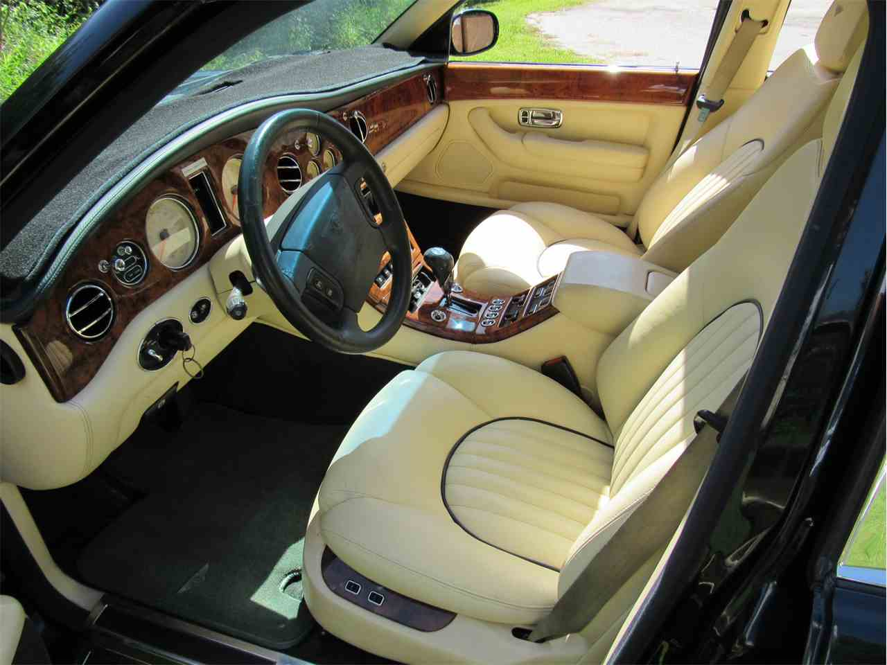 Large Picture of '99 Bentley Arnage located in Florida - $33,900.00 Offered by Vintage Motors Sarasota - LS29