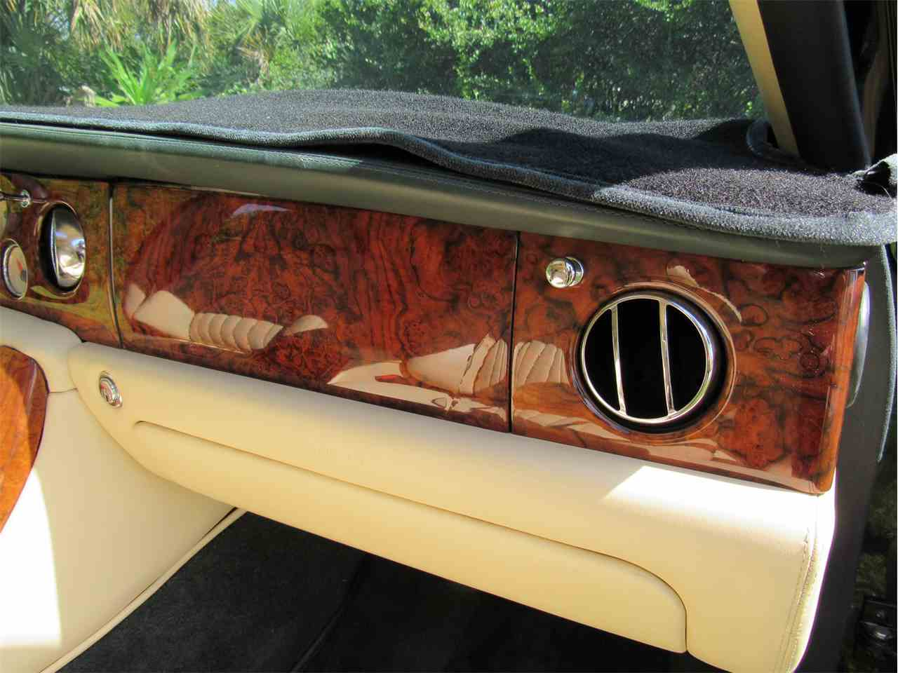 Large Picture of '99 Bentley Arnage located in Florida - LS29