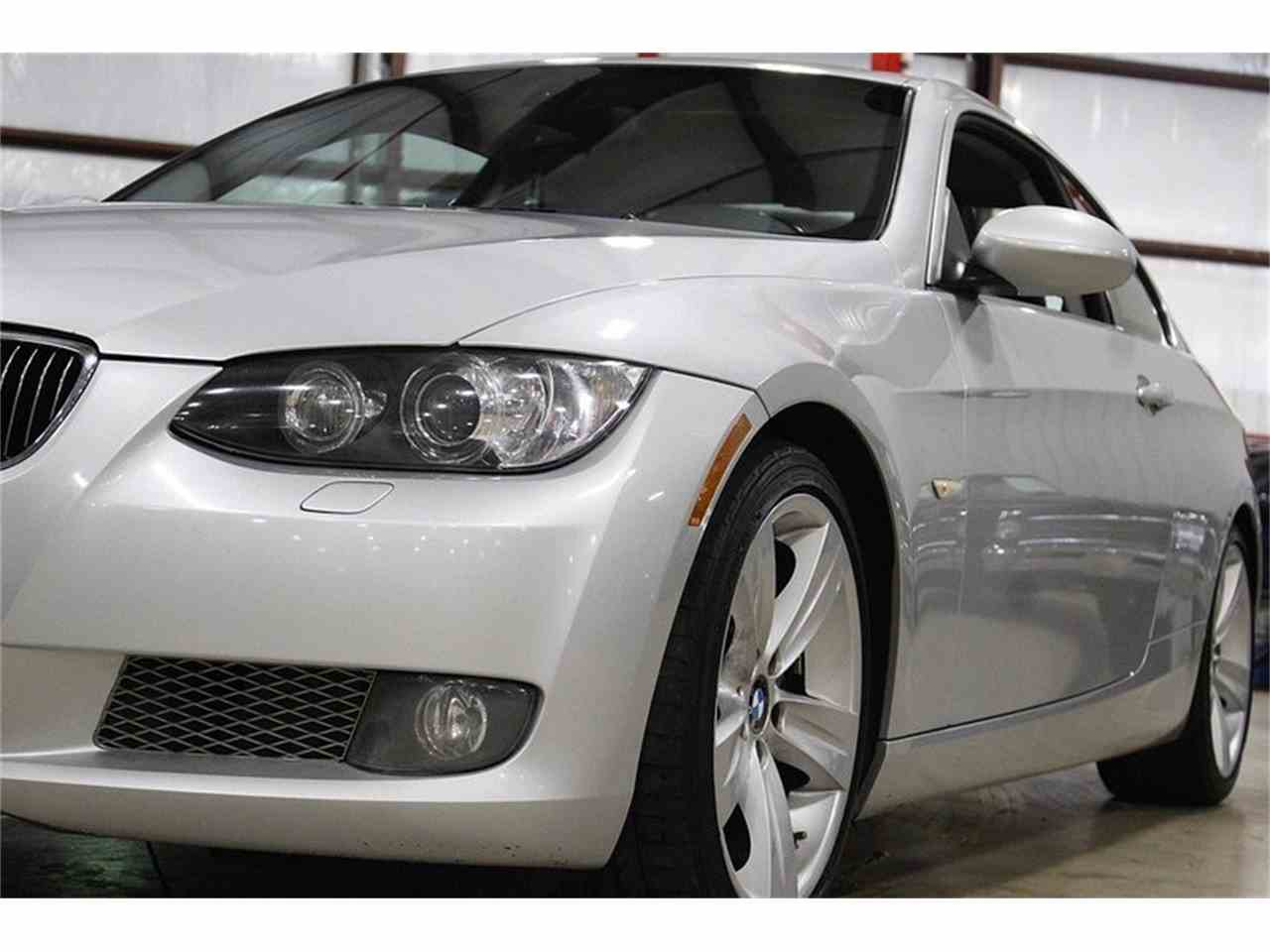 Large Picture of '07 BMW 335i located in Kentwood Michigan Offered by GR Auto Gallery - LS5N