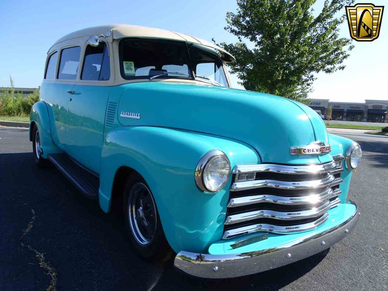 Large Picture of Classic 1949 Chevrolet Suburban located in O'Fallon Illinois Offered by Gateway Classic Cars - St. Louis - LS7T