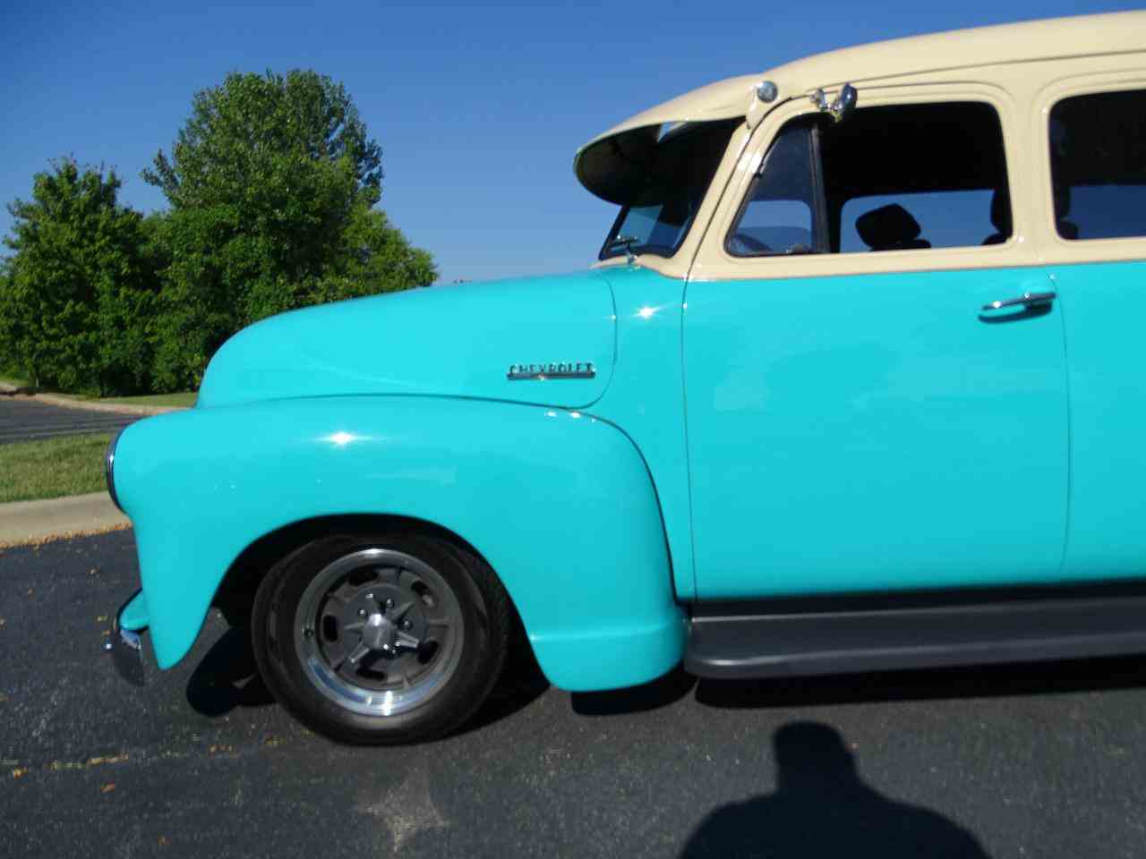 Large Picture of Classic '49 Suburban located in O'Fallon Illinois Offered by Gateway Classic Cars - St. Louis - LS7T
