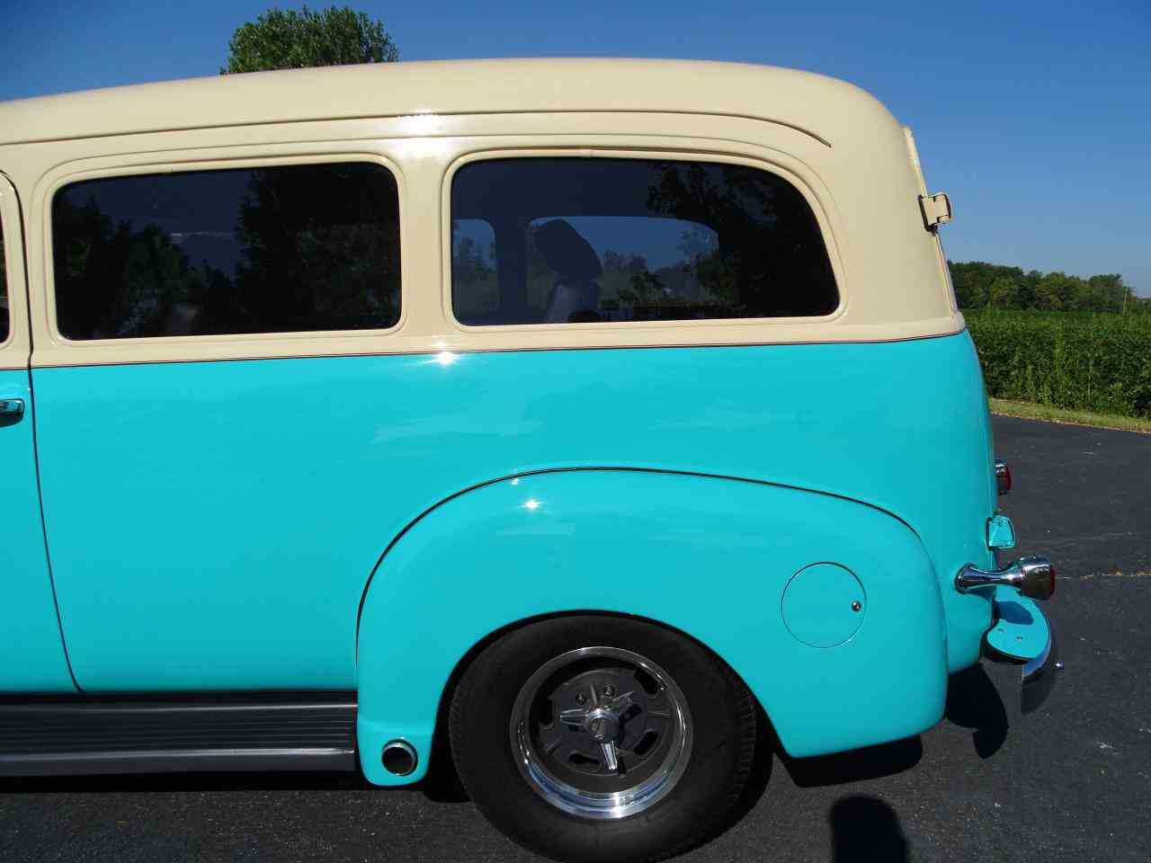 Large Picture of Classic 1949 Suburban located in O'Fallon Illinois Offered by Gateway Classic Cars - St. Louis - LS7T