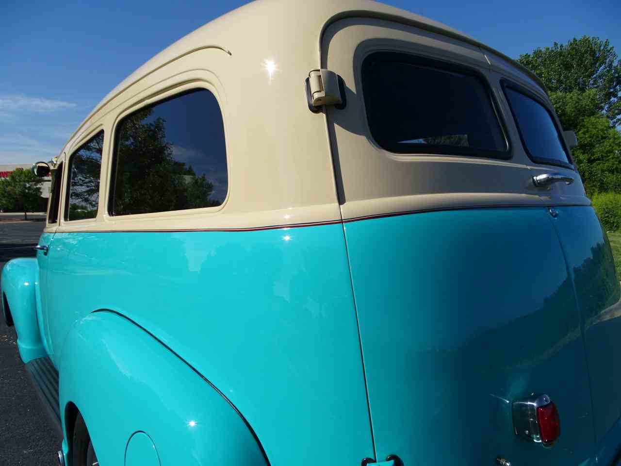 Large Picture of Classic 1949 Chevrolet Suburban located in O'Fallon Illinois - $48,595.00 - LS7T