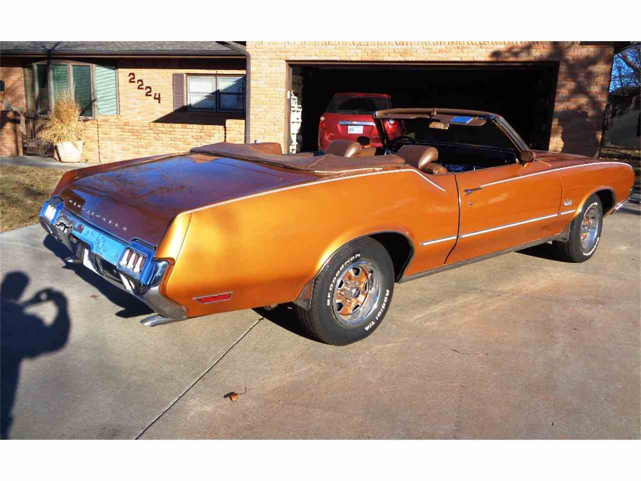 Large Picture of 1972 Cutlass Supreme located in Great Bend Kansas - LSCS