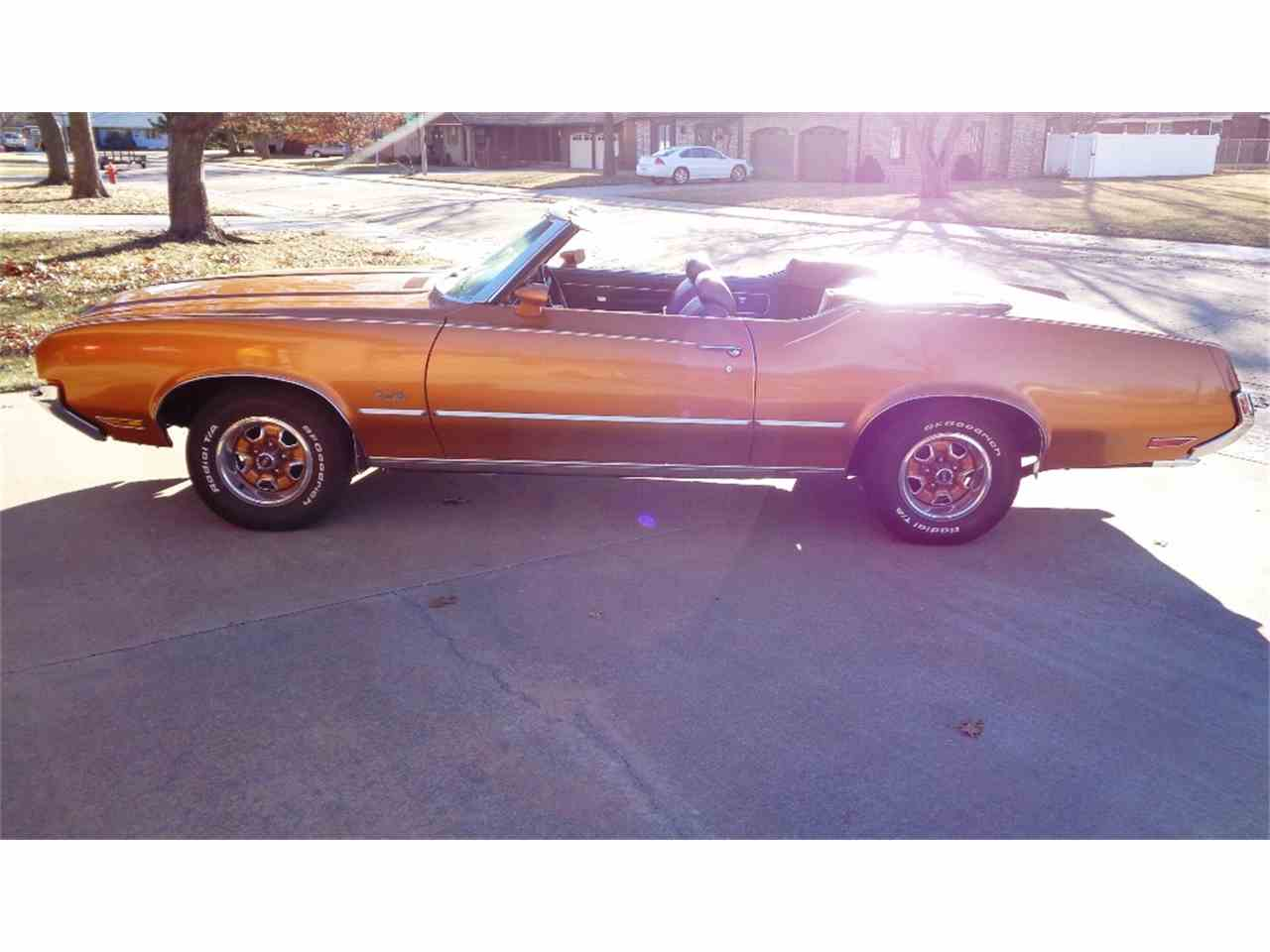 Large Picture of Classic '72 Cutlass Supreme located in Great Bend Kansas Offered by Carr Auction & Real Estate, Inc. - LSCS