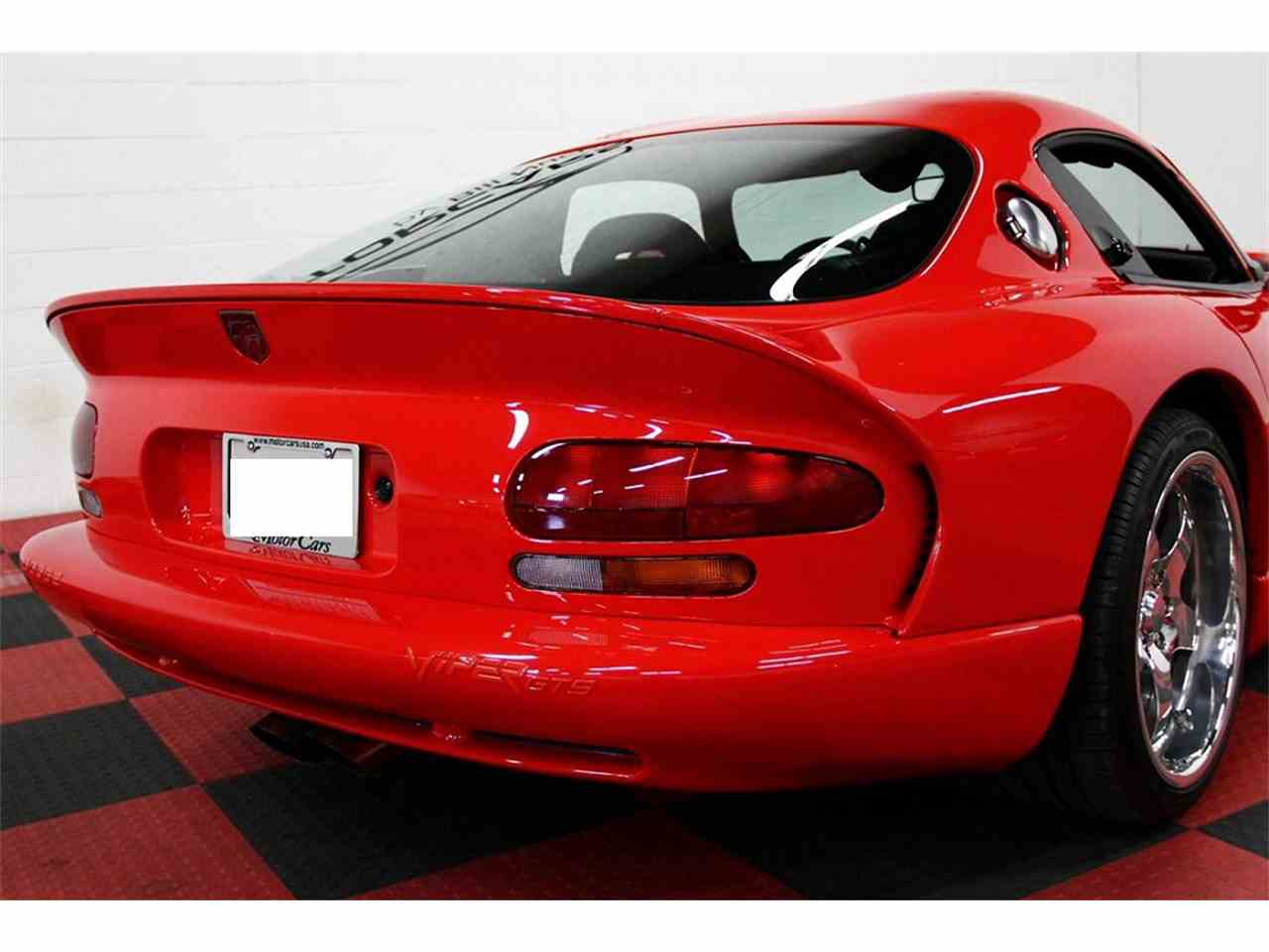 Large Picture of '98 Dodge Viper located in Algonquin Illinois - LSFT