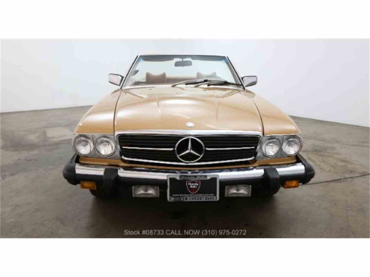 Large Picture of '76 Mercedes-Benz 450SL located in Beverly Hills California - LSJ8