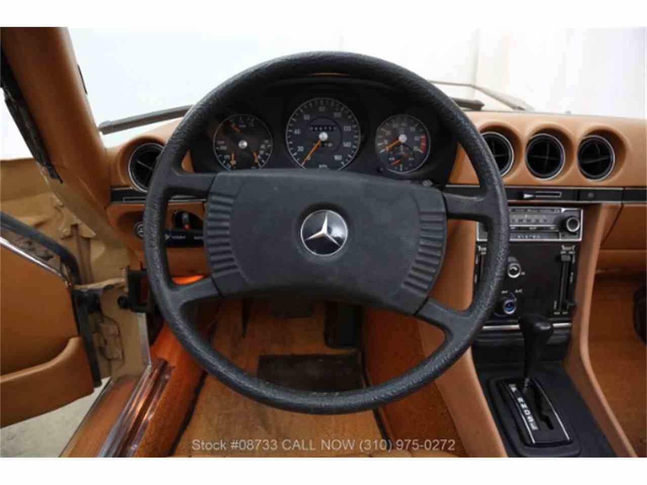 Large Picture of '76 450SL located in Beverly Hills California - LSJ8