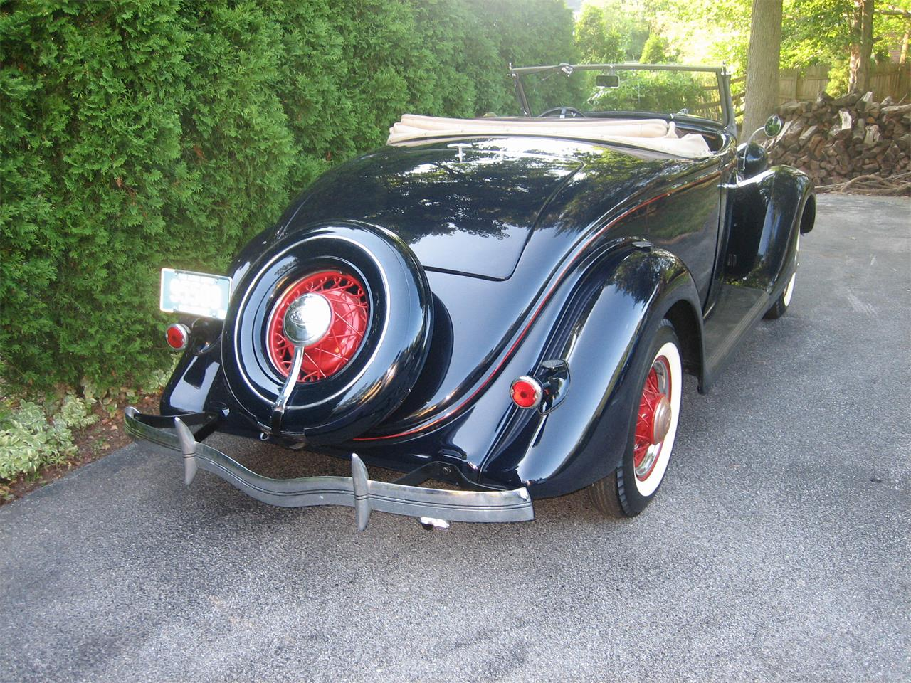 Large Picture of Classic 1935 Cabriolet located in Wilmington Delaware - LSM5