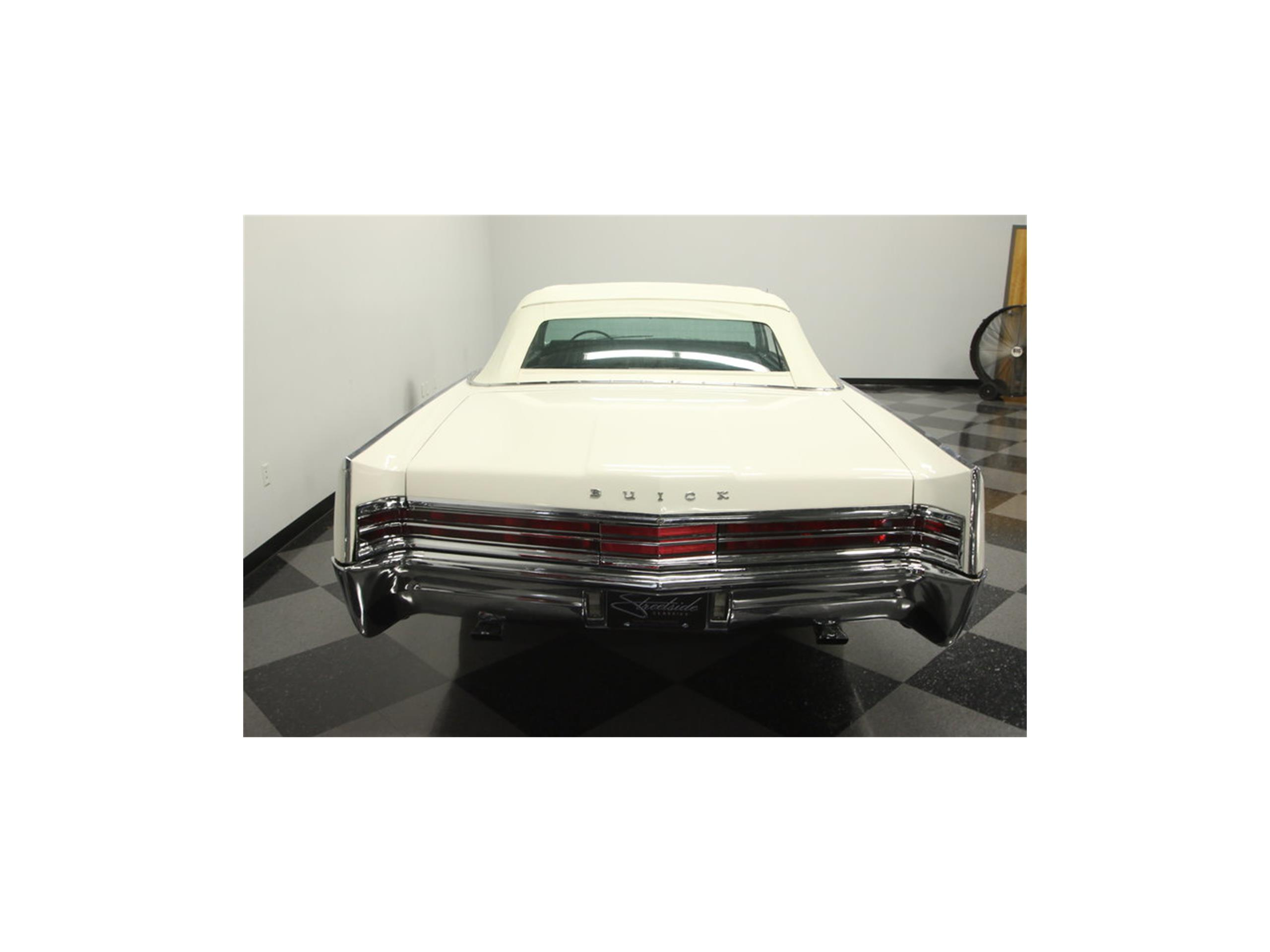 Large Picture of '65 Electra Custom Convertible - LSN9