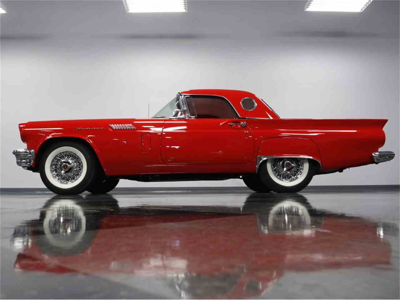 Large Picture of Classic 1957 Thunderbird located in North Carolina - LSNS