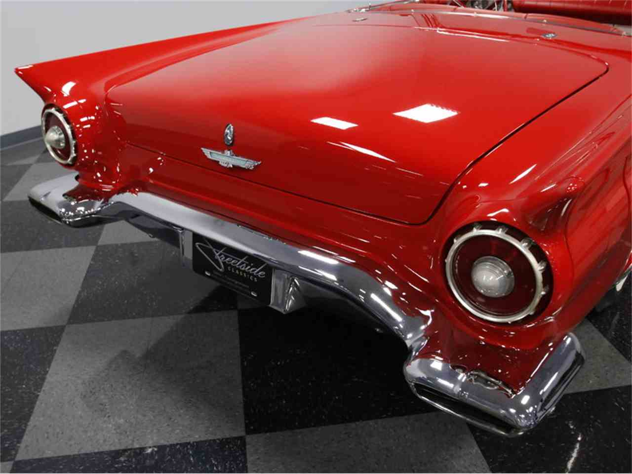 Large Picture of Classic 1957 Thunderbird located in Concord North Carolina - LSNS