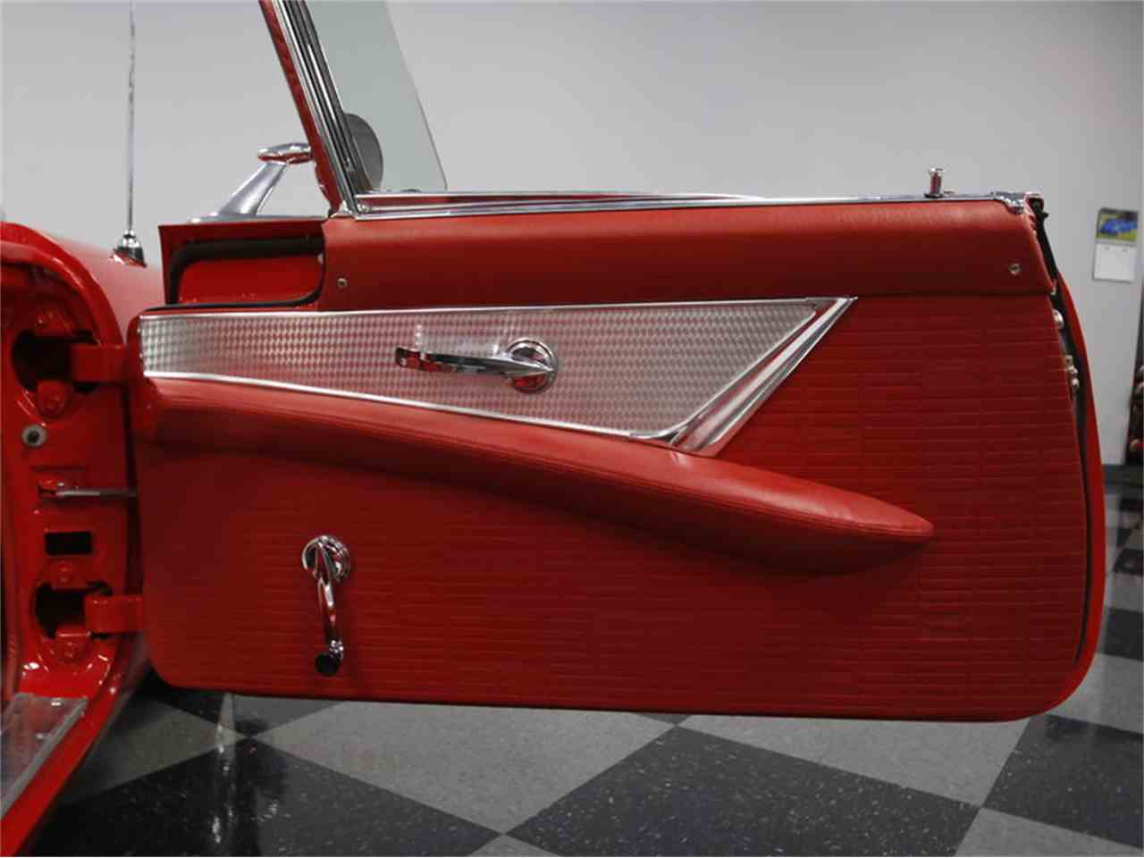 Large Picture of Classic '57 Ford Thunderbird - LSNS