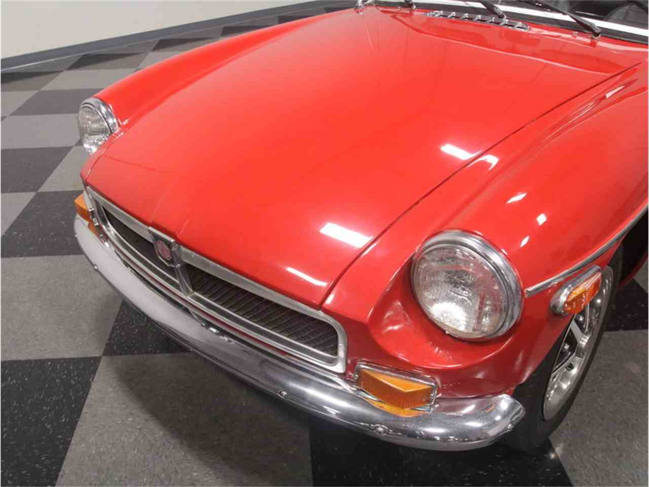 Large Picture of '74 MGB - LSP5