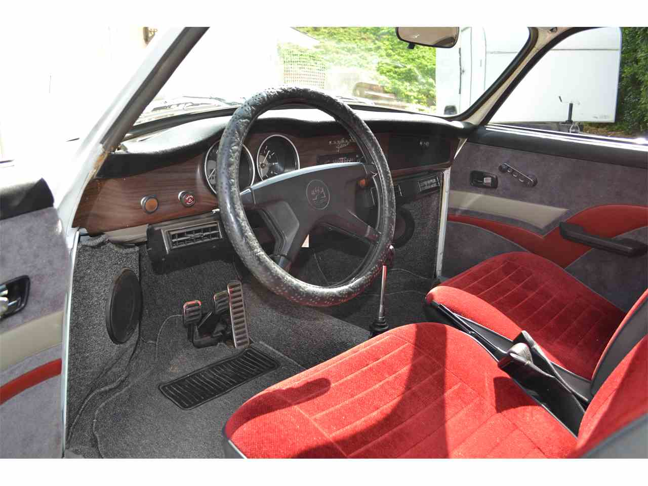 Large Picture of '74 Karmann Ghia - LSR1