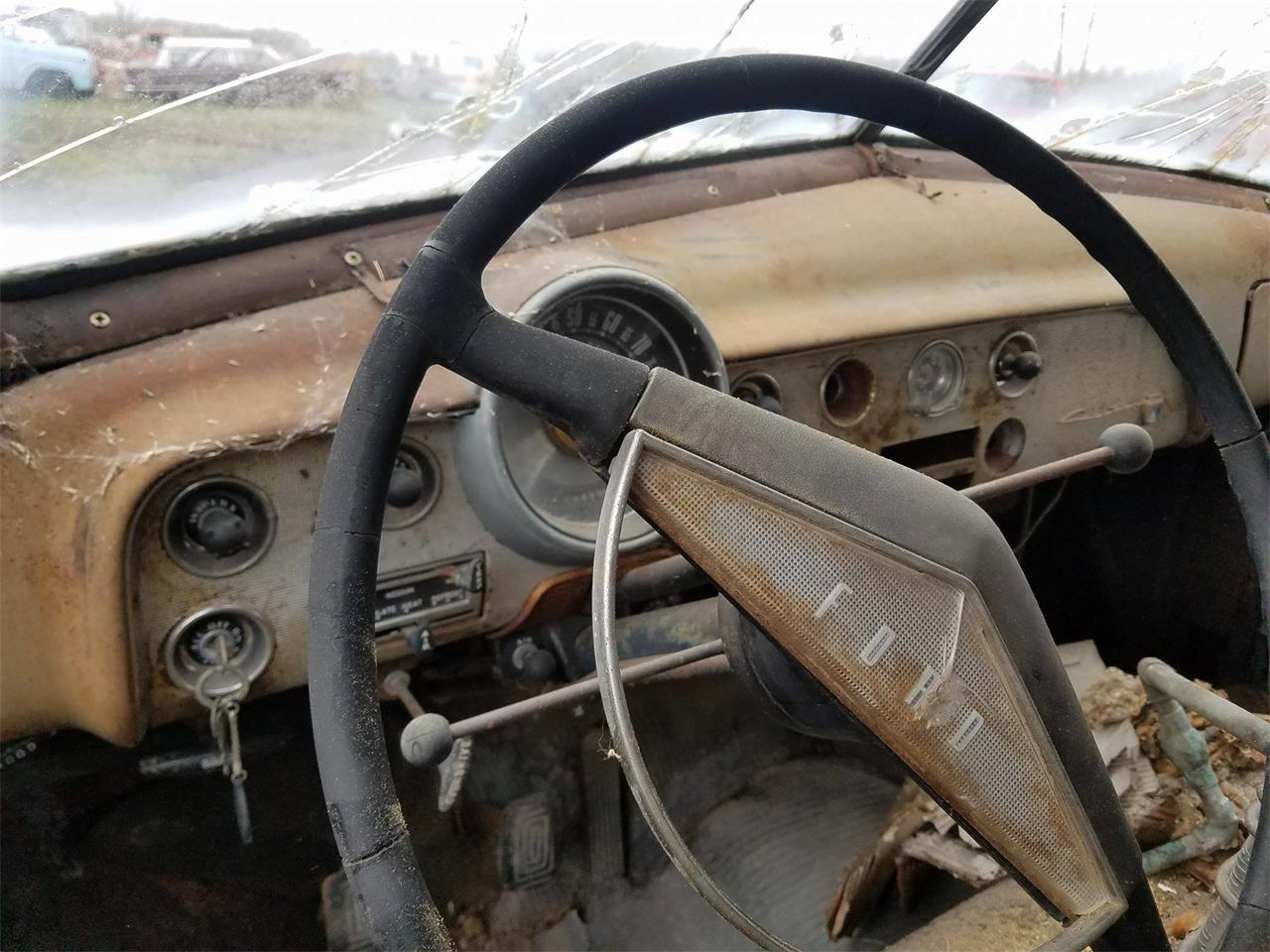 Large Picture of '51 Sedan - LSU8