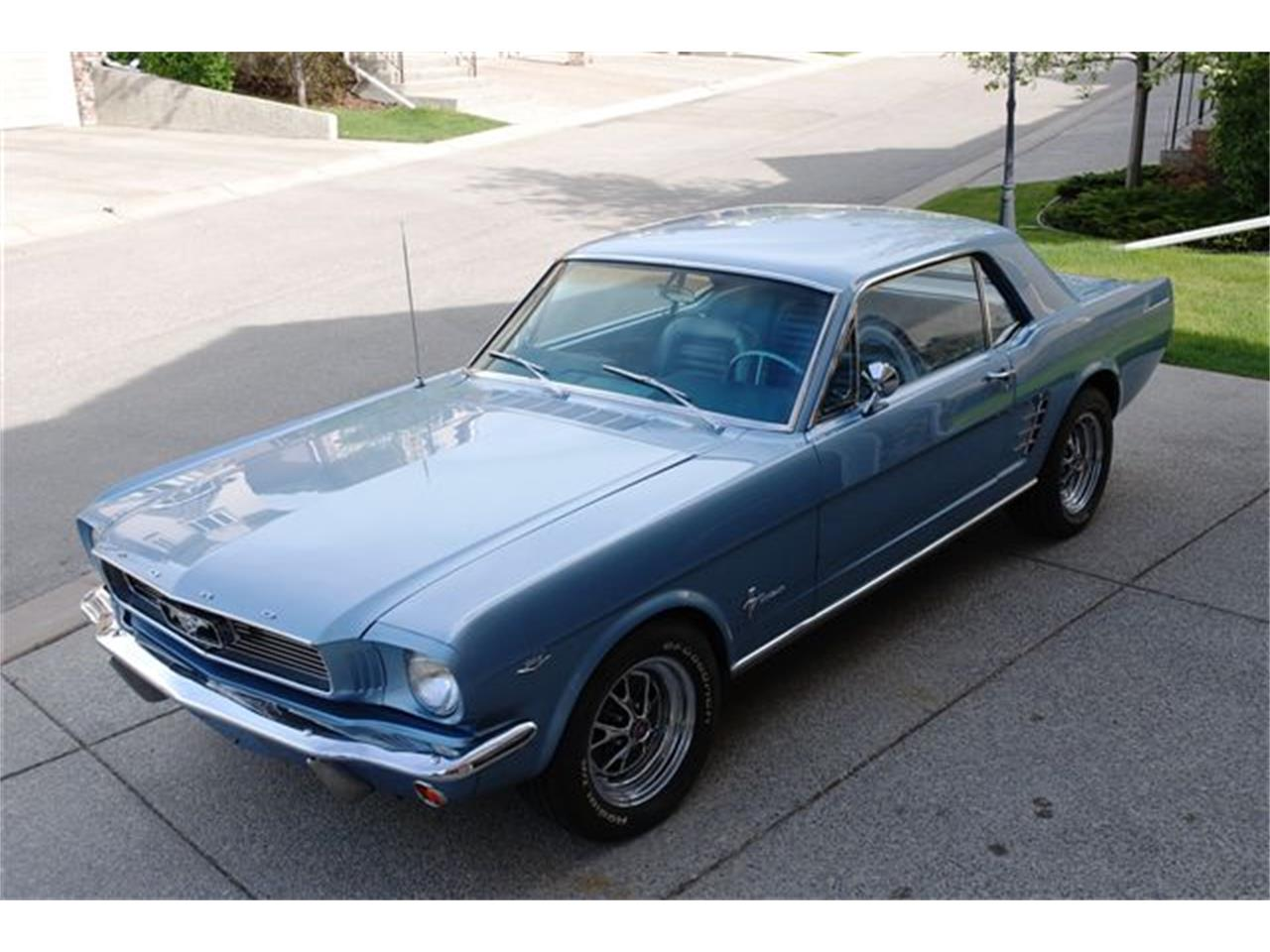 Large picture of 66 mustang located in calgary alberta lsuv