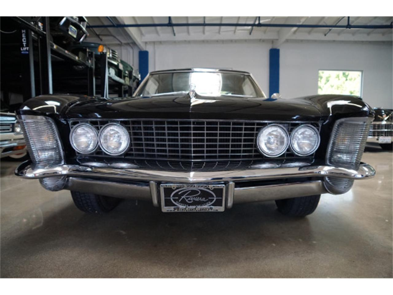 Large Picture of '64 Riviera - LSWO