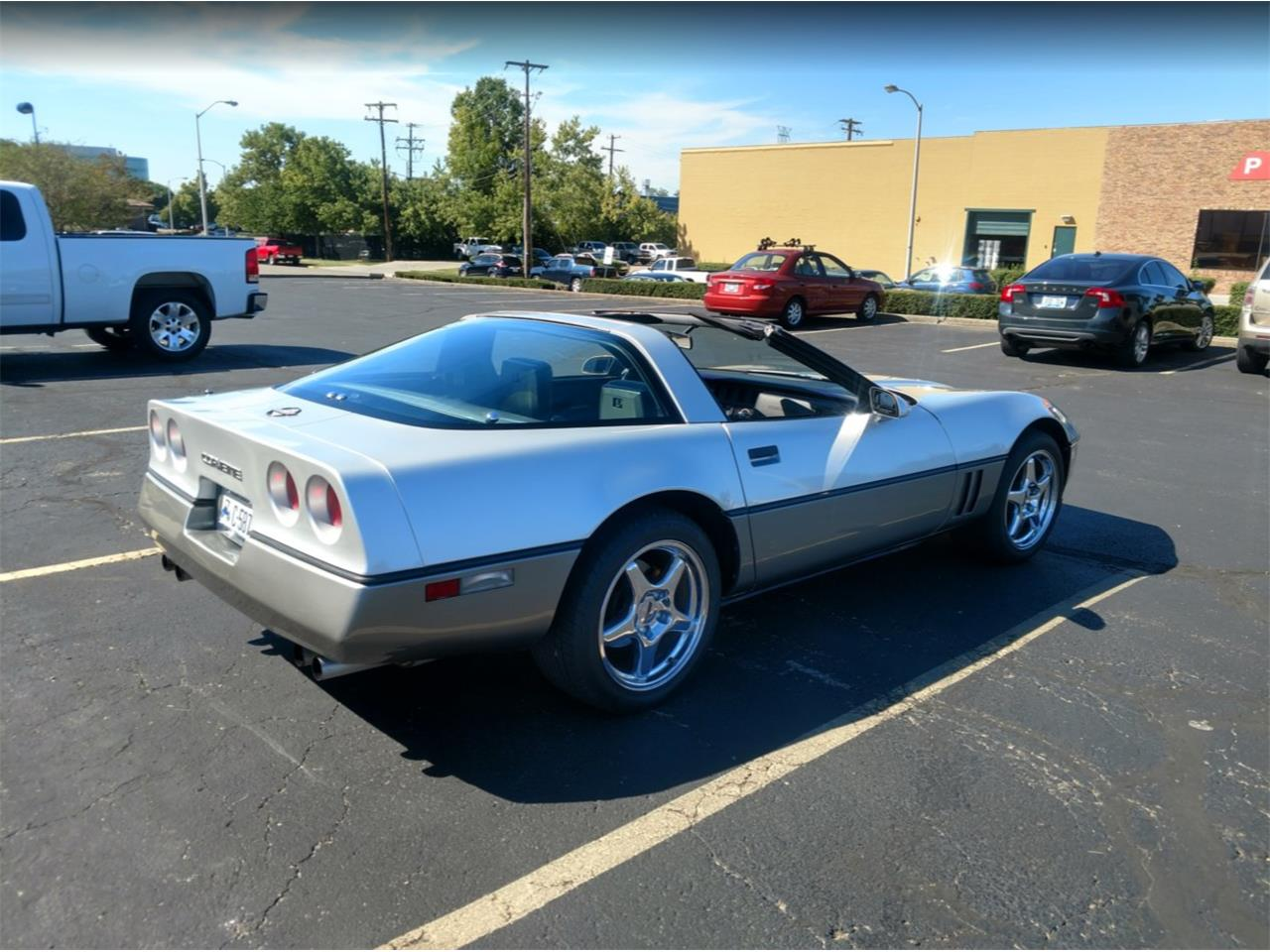 Large Picture of 1985 Chevrolet Corvette located in Kentucky - LSYY