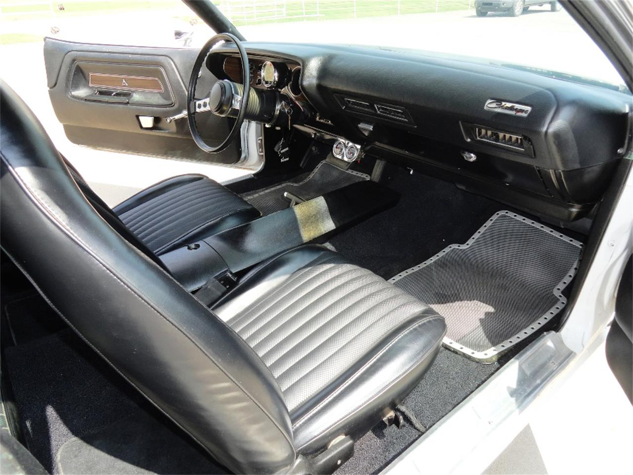 Large Picture of '74 Challenger - LT00