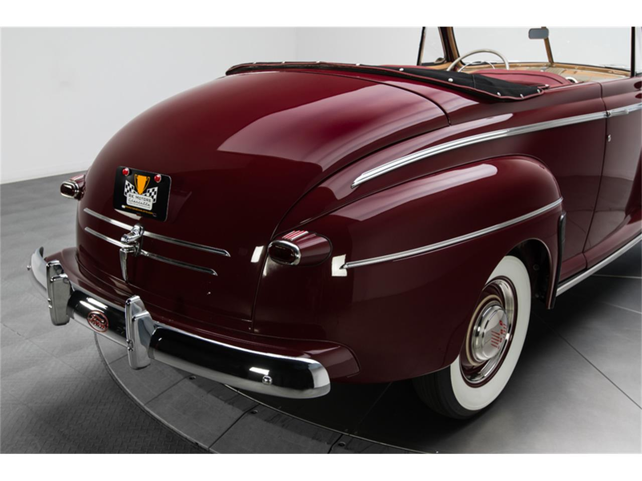 Large Picture of '46 Deluxe - LT64